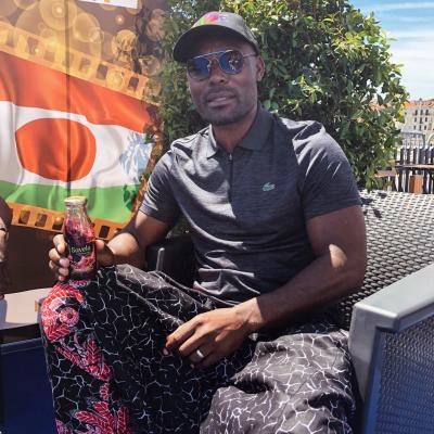 Acteur haitien avec savela