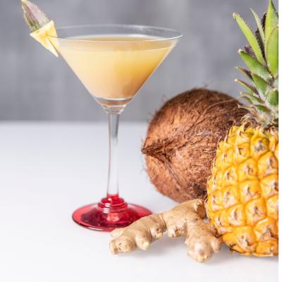 Verre de gingembre ananas